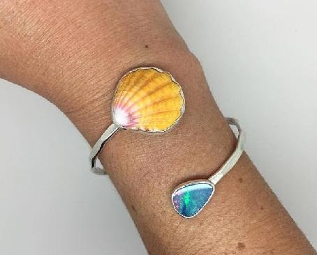 shell-jewellery-designs-shell-bangle
