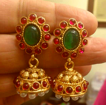 simple-traditional-temple-jhumka-7