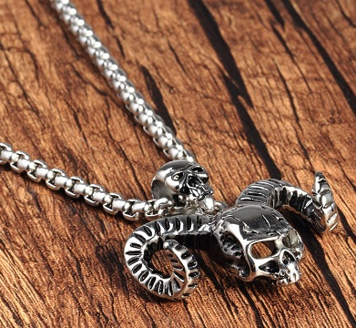 skull-pendant-with-silver-chain-6