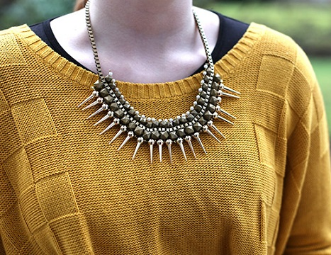 spike-beaded-choker-14