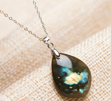 spiritual-pendantcrystal-jewellery-design-6