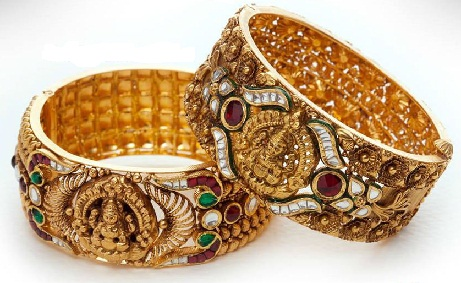 temple-jewellery-bangle-designs-beautifully-crafted-floral-temple-bangle