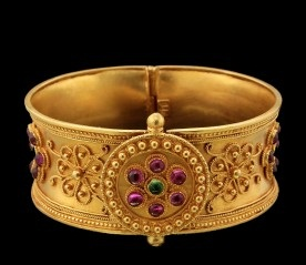 temple-jewellery-bangle-designs-broad-temple-bangle-with-beautiful-beads