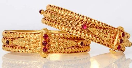 temple-jewellery-bangle-designs-simple-pearl-studded-temple-bangle