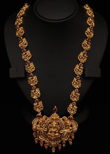 25 Gold Temple Jewellery Designs | Styles At Life