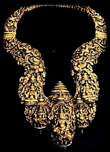 temple-jewellery-designs-nakshi-work-temple-chain