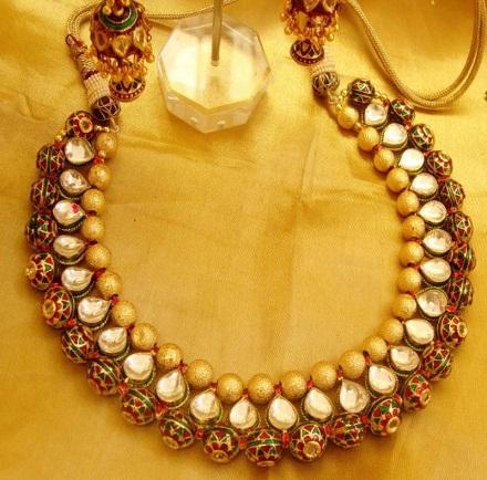 temple-jewellery-necklace-designs-royal-kundan-haar