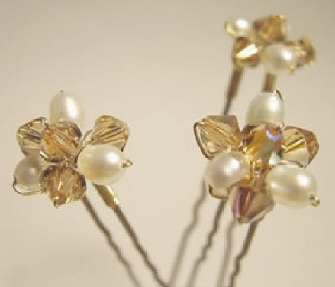 types-of-hair-pins-golden-floral-hair-pin