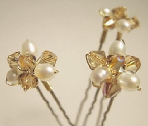 types-of-hair-pins-golden-floral-hair-pin