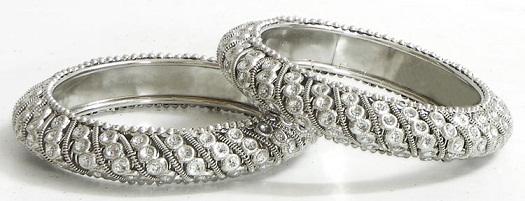 unique-white-metal-bangles9