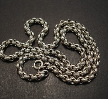 vintage-silver-neck-chains-2