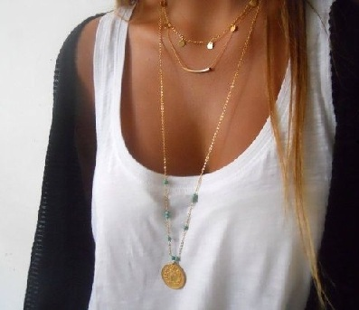 white-tank-gold-necklace-4