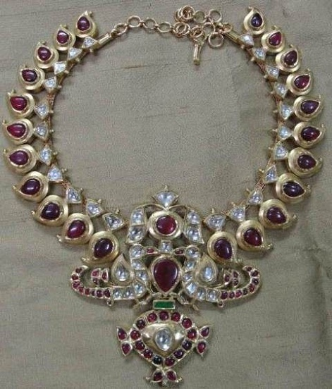antique-south-indian-diamond-necklaces