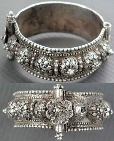 antique-hinged-bracelet2