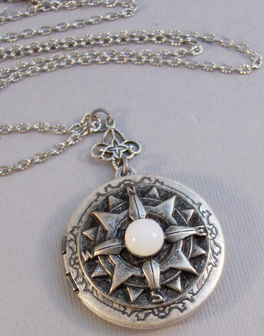 antique-moonstone-locket3
