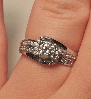 bethrothal-diamond-ring12