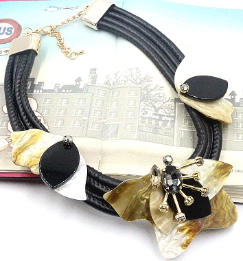 black-leather-rope-necklace25
