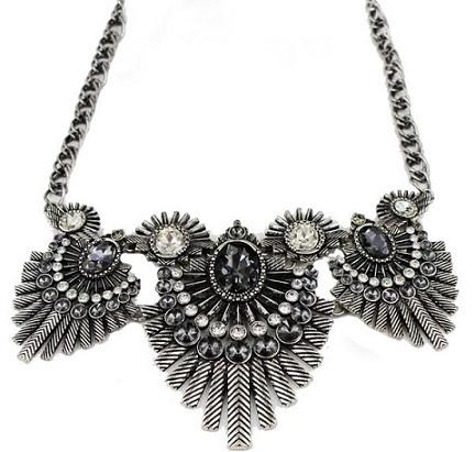 black-vintage-necklace