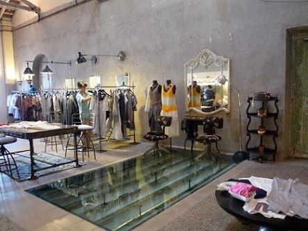 boutiques-in-mumbai-bungalow-8
