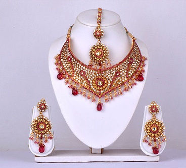bridal-gold-and-kundan-sets