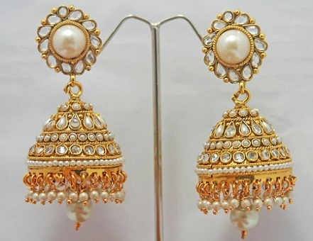 bridal-gold-and-stone-traditional-jhumkas