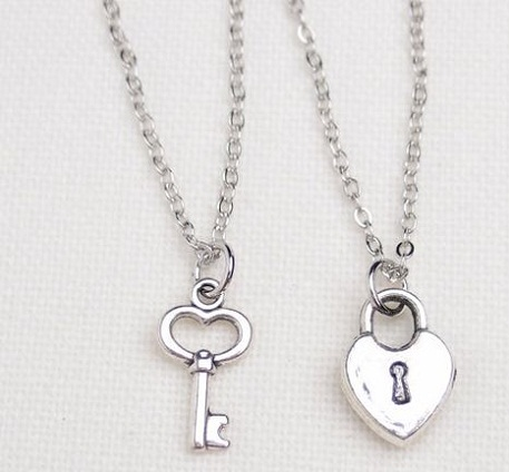 couple-lockets-lock-and-key-necklace-for-couples