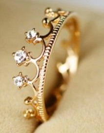 Designer Crown Gold Ring Design for Bridal