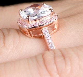 cushion-cut-rose-gold-wedding-ring7