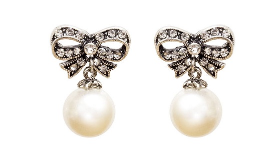 Cute Bow Shape Pearl Earrings