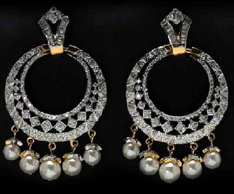 dazzling-platinum-jhumka-with-pearl