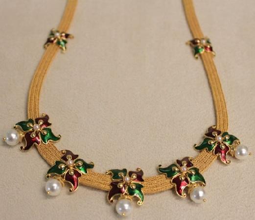 designer-enamel-coated-butterfly-shape-necklace
