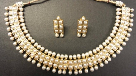 designer-gold-plated-pearl-necklace