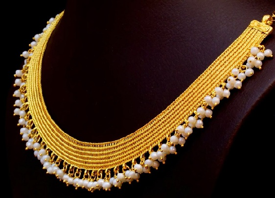designer-yellow-gold-and-pearl-necklace