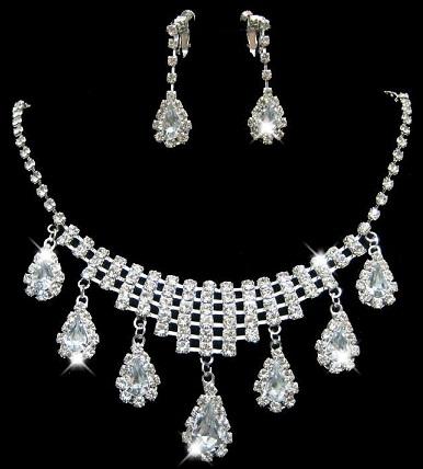 diamond-drops-jewellery-sets