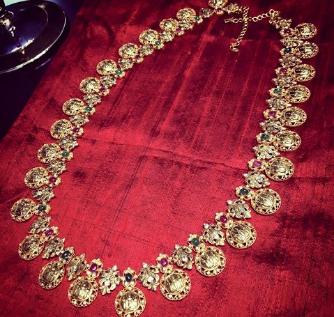 diamond-necklaces-with-temple-designs