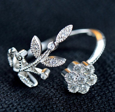 flower-and-leaf-silver-ring