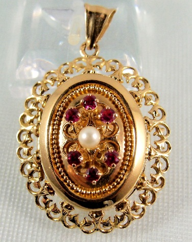 gold-lockets-with-stones