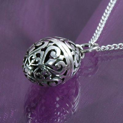 gothic-silver-locket