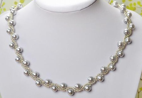 gray-pearl-necklace-in-ribbon-tie-style5