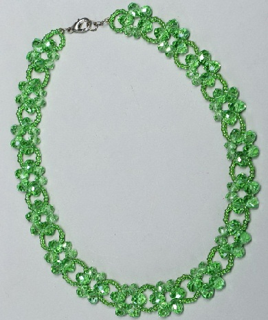 green-beads-necklace-in-flower-shape2
