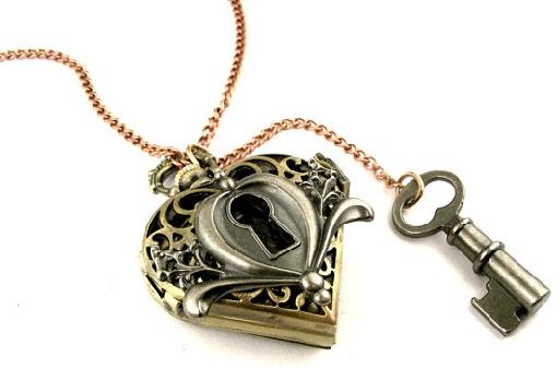 lock-and-key-heart-locket