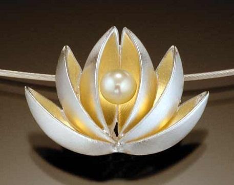 lotus-pearl-pendant
