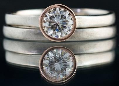 mixed-metal-settings-engagement-ring8