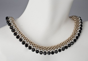 necklace-with-black-beads5