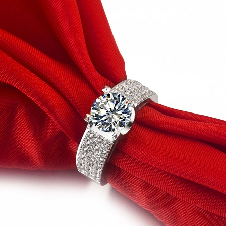 pave-solitaire-ring