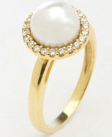 Ladies Gold Ring With Pearl Design