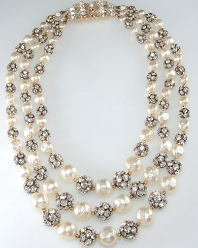 pearl-necklace-with-black-beads13