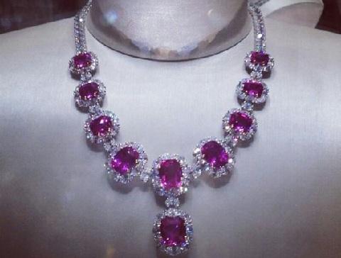 pink-sapphire-diamond-necklaces