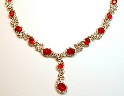 red-diamond-necklaces