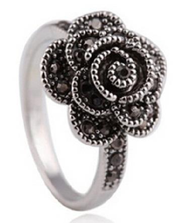 retro-silver-ring